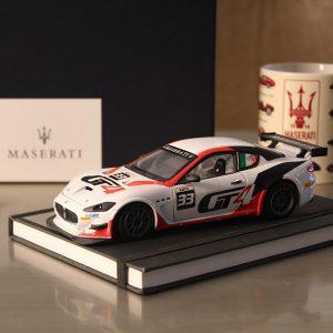 瑪莎拉蒂-1:24 模型車 MC GT4 2016